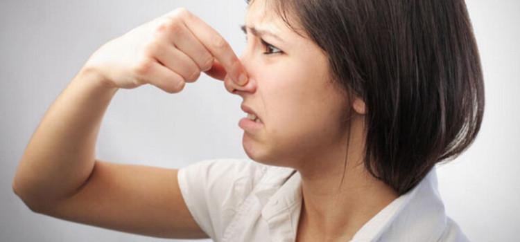 6 причин пота с плохим запахом